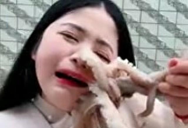 タコに食われる中国女.jpg