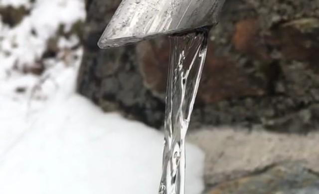 凍ったように見える山水.jpg