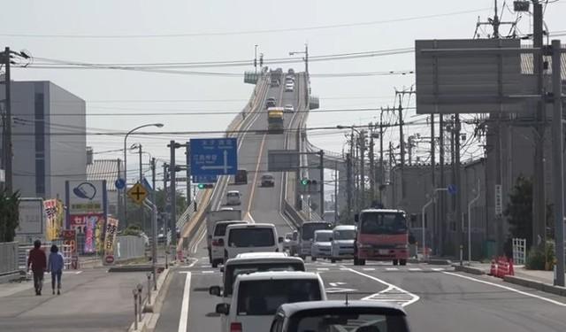 島根のベタ踏み坂.jpg