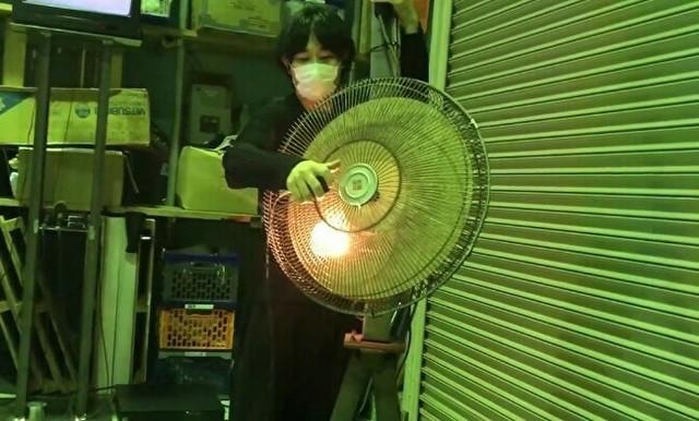 扇風機をベースにした人.jpg