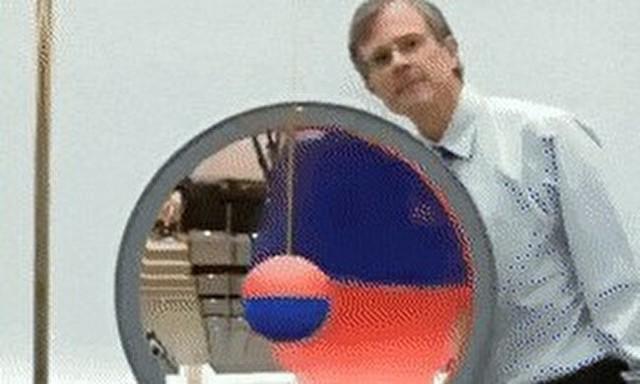 拡大鏡に振り子.jpg