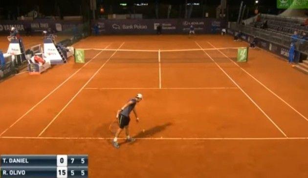 テニスの不意打ち