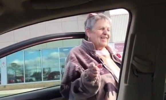 乗る車を間違えた母親
