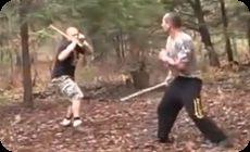 棒術。棒を持った同士の戦い