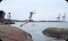 海でジャンプ失敗