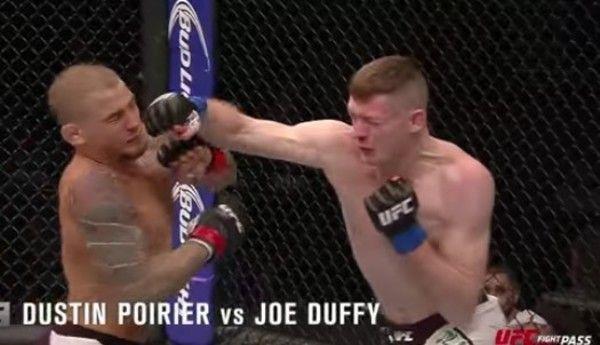 UFCの技が決まった瞬間