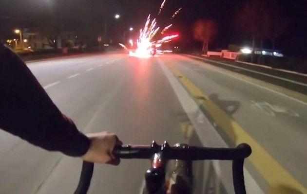自転車にミサイル搭載