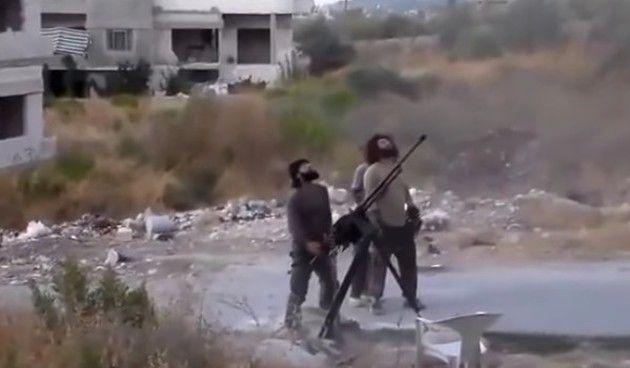 ミサイルが落ちてきてシリア人が消し飛ぶ