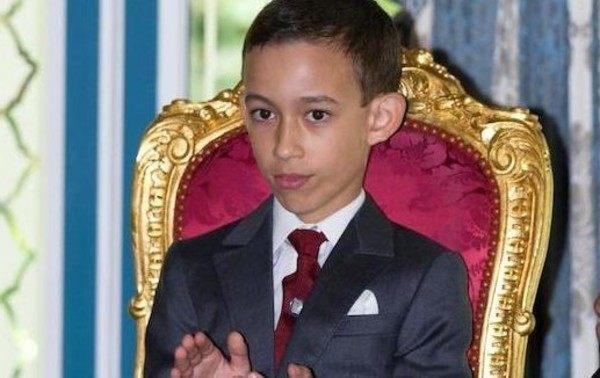 モロッコの皇太子の握手