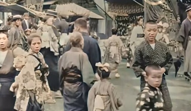 100年前の日本の映像.jpg