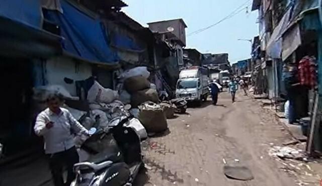 インドのスラム街を行く映像.jpg