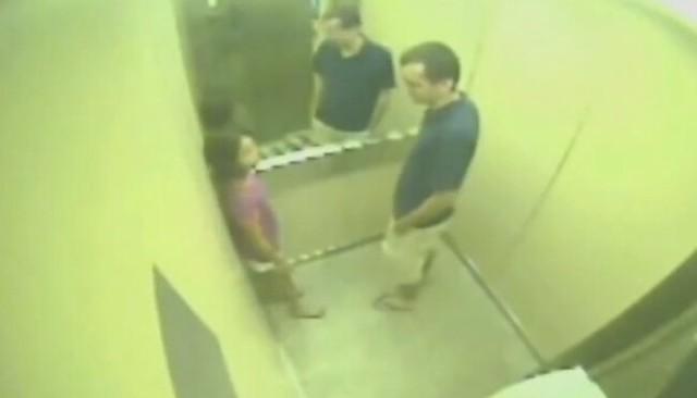 エレベーターに乗った少女に起こった恐怖パニックハプニング.jpg