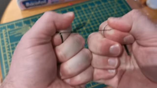 カーボンファイバーを切る方法.png