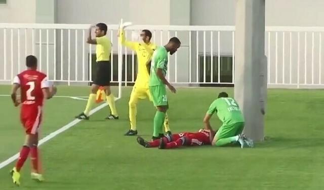 サッカー選手が後頭部を強打.jpg