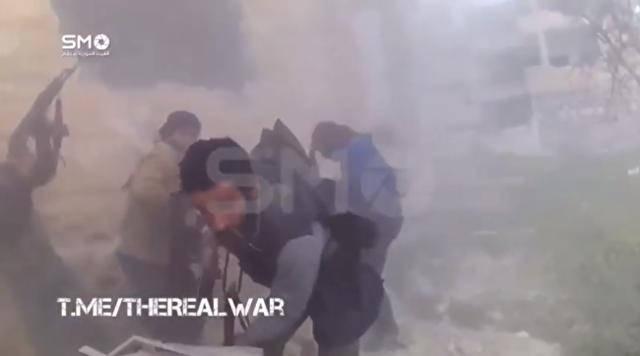 シリア軍と戦う戦闘員にカメラを付けた.png