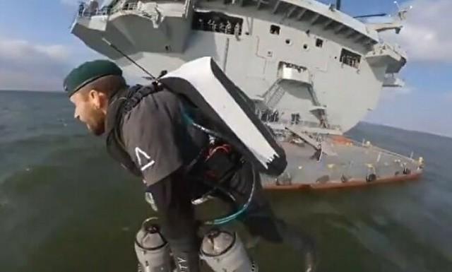 ジェットパックで船から船へ.jpg