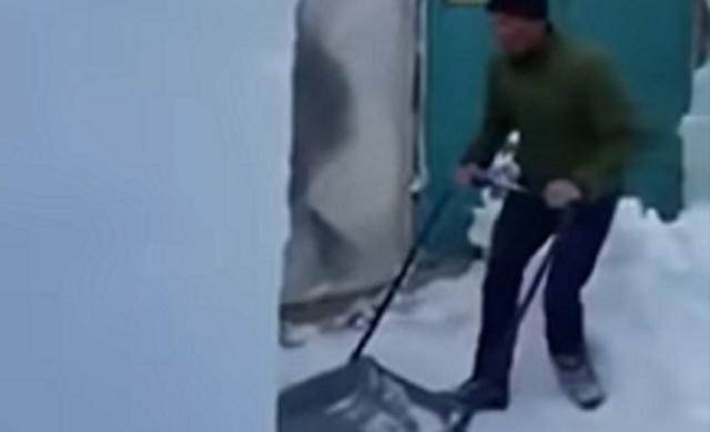 スノーダンプで大量の雪を一度に運ぶ達人.png