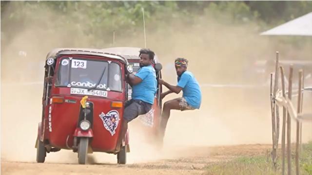 スリランカのカーレースが独特.png