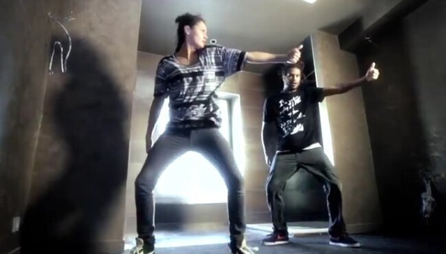 ダブステップで踊るダンサー.jpg