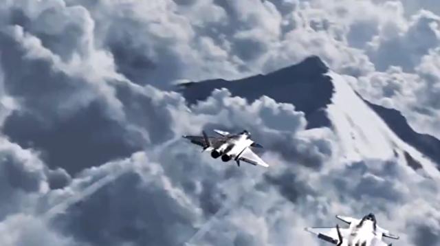 チベット上空をJ-20戦闘機が飛行する映像.png