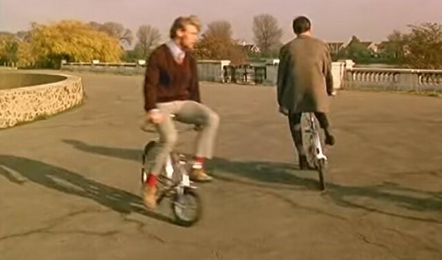 ハンドルが後ろにくる自転車.jpg