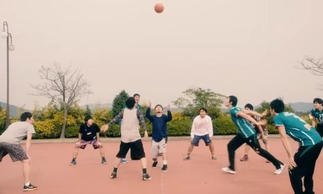 バスケ対バレーボール.jpg