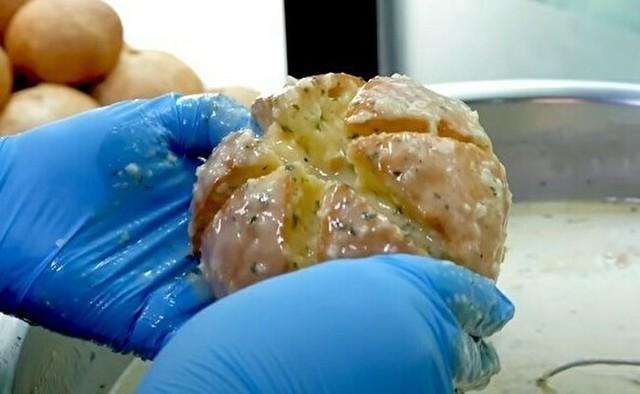 バターたっぷりの韓国のパン.jpg