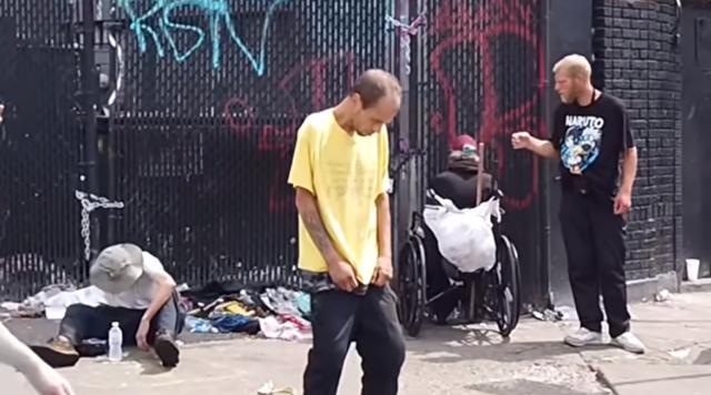 フィラデルフィアの街が麻薬中毒者で溢れている様子.png
