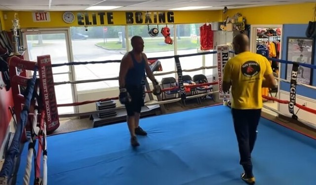 ボクシングの素人がトレーナーと戦うとこうなる.jpg
