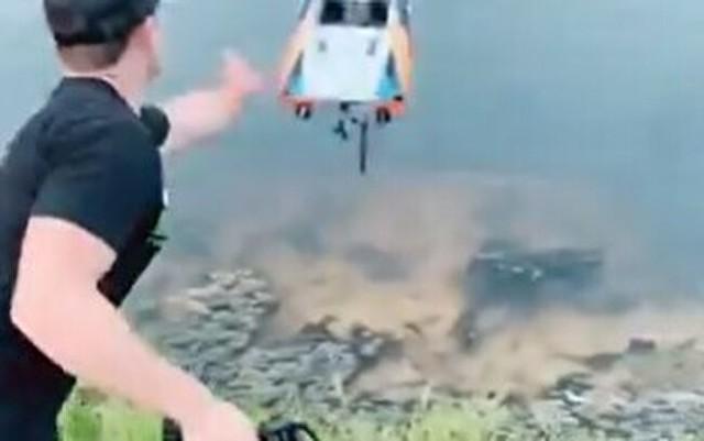 メチャクチャ速い水上ボードラジコン.jpg