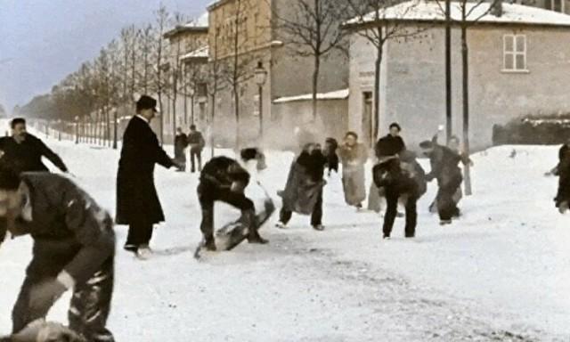 リュミエール兄弟が撮った雪合戦をカラーで.jpg