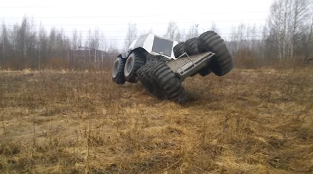 ロシアが作った全地形対応10輪駆動車.png