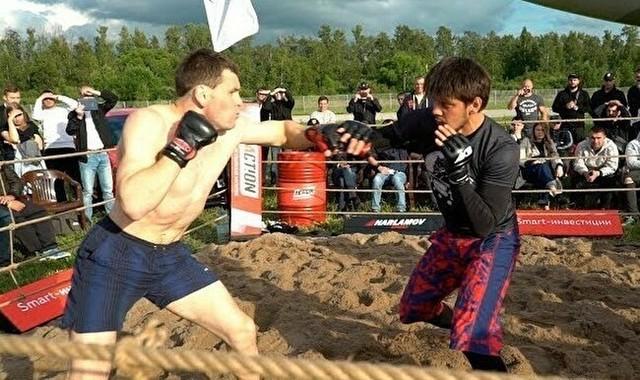 ロシアの野良格闘技で強い奴.jpg