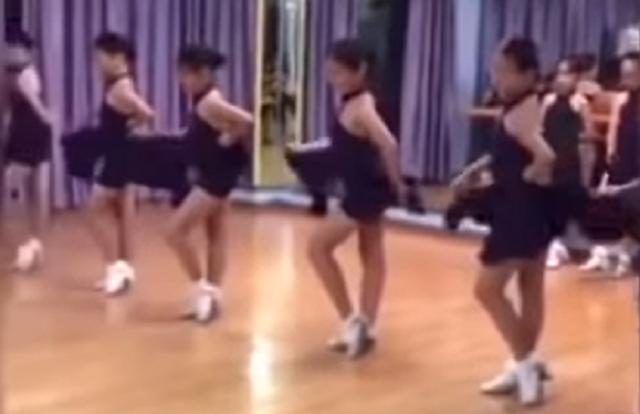 中国で流行ってるアンチストレスダンス?.png