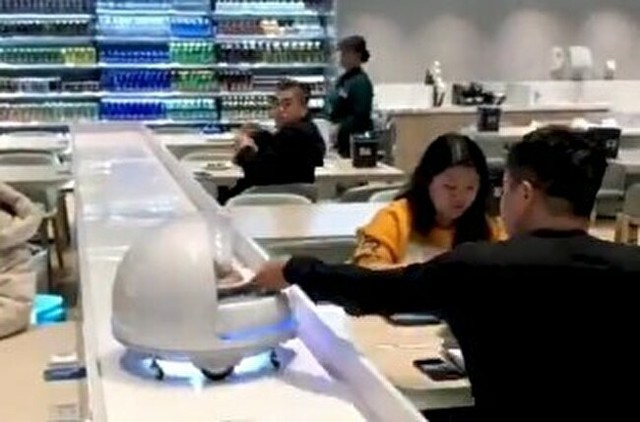 中国のアリババが運営するレストラン.jpg