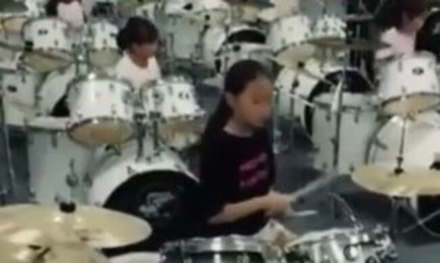 中国のドラム教室.jpg