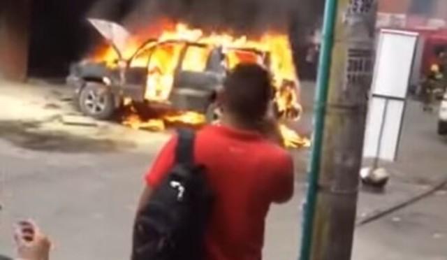 事故って炎上しているクルマに野次馬根性で見に行ってはイケナイ.jpg