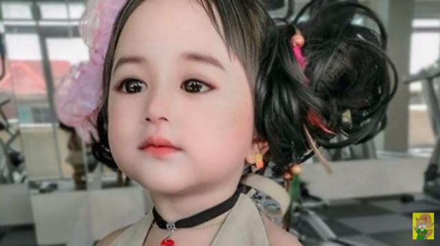 人形みたいな子供.png