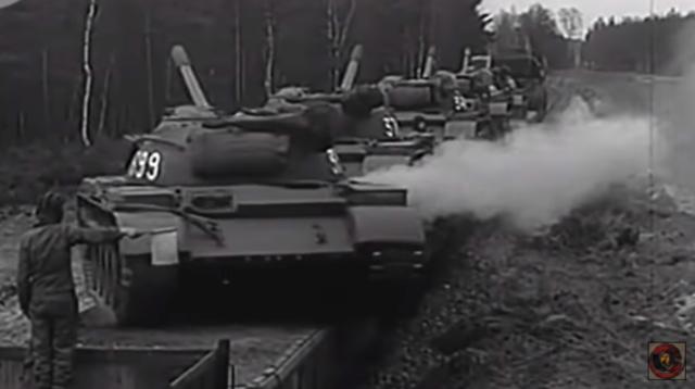 列車で運んだ戦車を降ろす方法がダイナミック過ぎ.png
