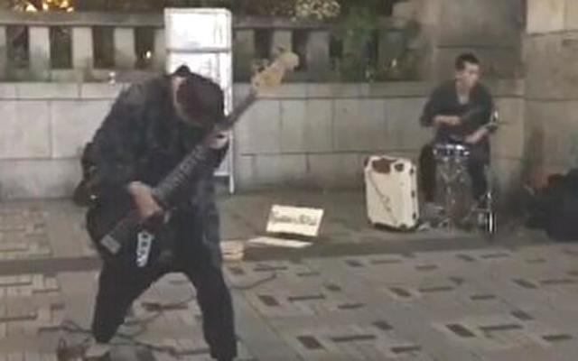 原宿に居たリズム隊がすご過ぎ.jpg