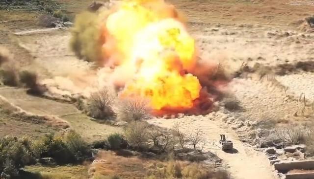 地雷を除去する糸爆弾.jpg