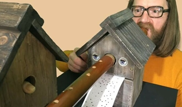 変な縦笛自動演奏機.jpg