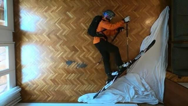 室内で雪山登山モーションピクチャー.jpg