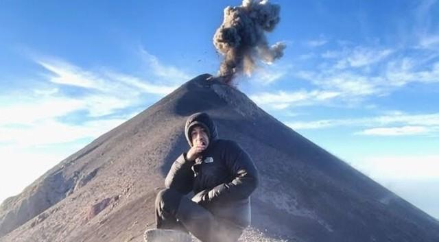 山、ボルケーノ噴火.jpg