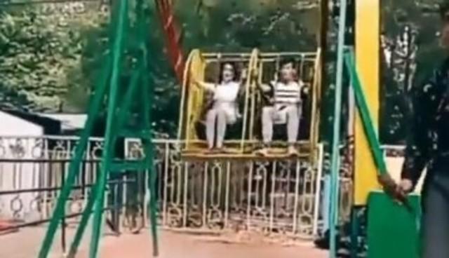 怖すぎる人力遊園地のゴンドラトラブル.jpg