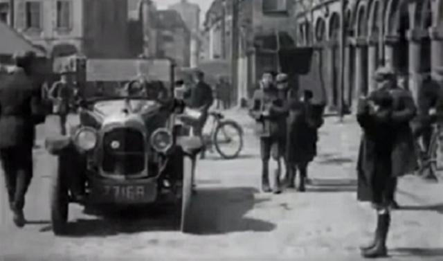 昔の駐車問題解決車.png