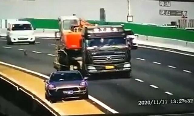 映画みたいな交通事故.jpg