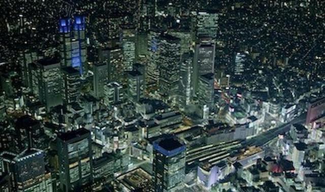 東京の8K映像.jpg
