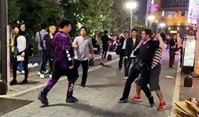 歌舞伎町で外人と日本人のケンカ.jpg