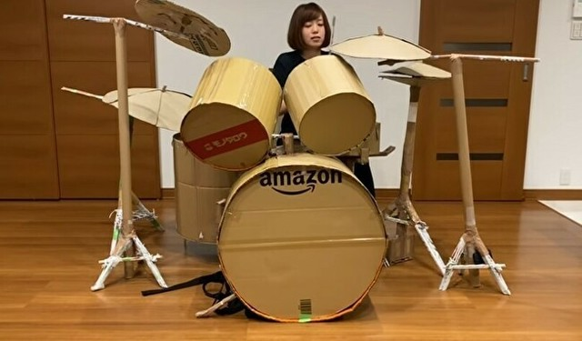 段ボールで作ったドラムセット.jpg